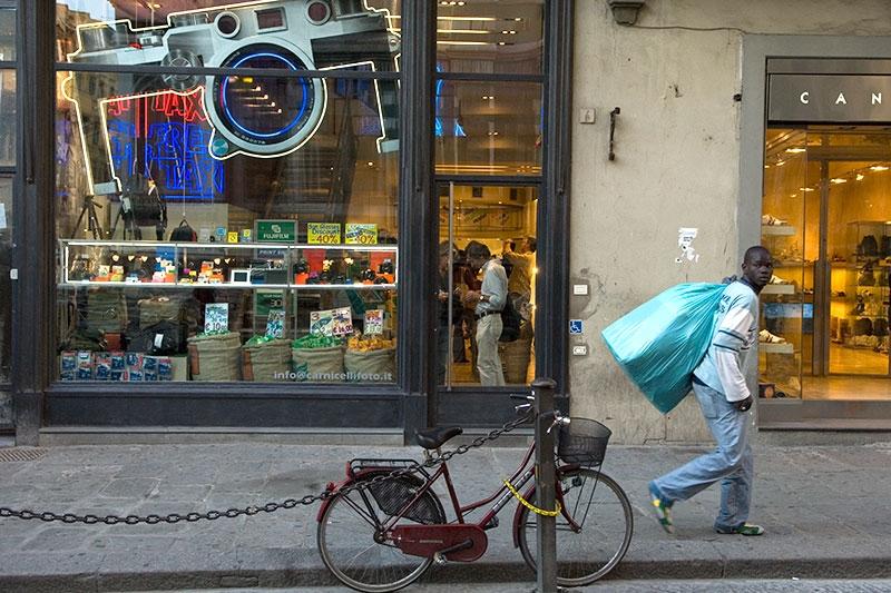vendor-camera-9x13