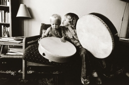 drum-kiss