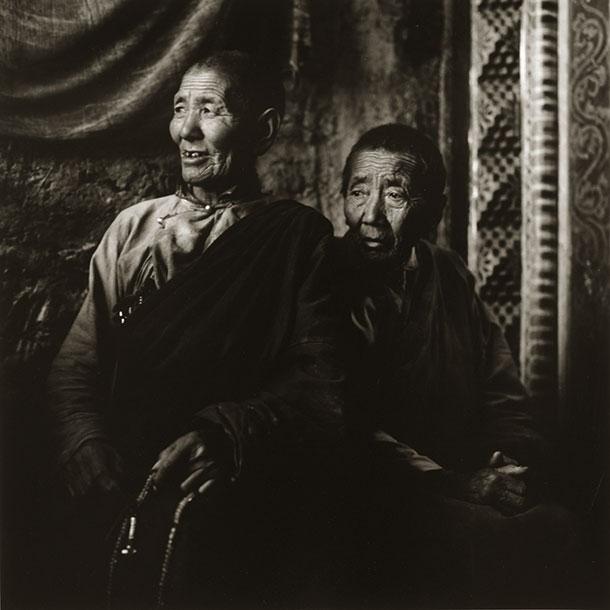 nuns-tibet