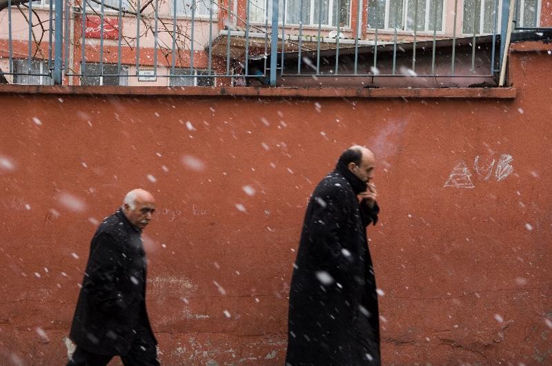 men-in-snow