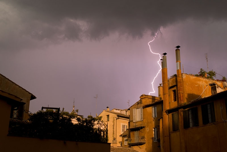 rome-lightning
