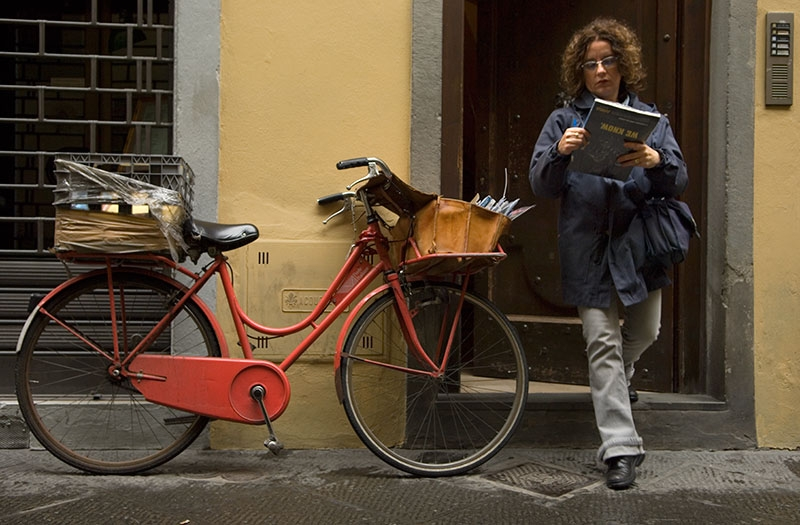 red-mail-bike-9x13