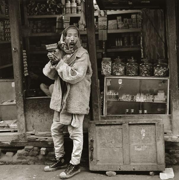 hooka-smoker-nepal