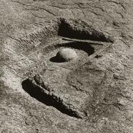 bedrock-lingam-hampi