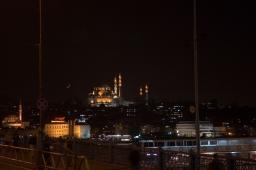 mosque-moon