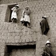 descending-dancers